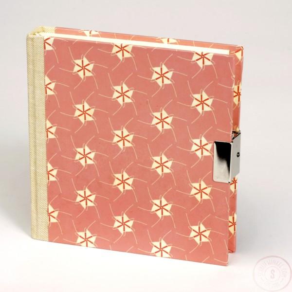 Roze Dagboek Met Slot en Bloemetjes