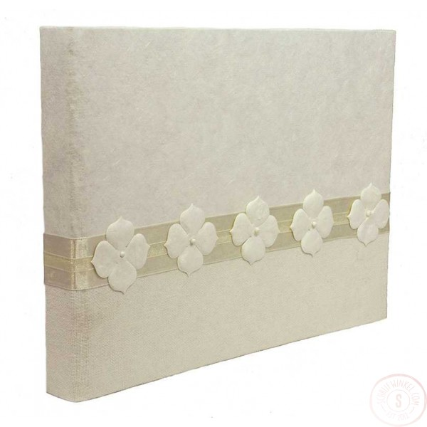 Wit Gastenboek met Bloemen en Satijnen Lint