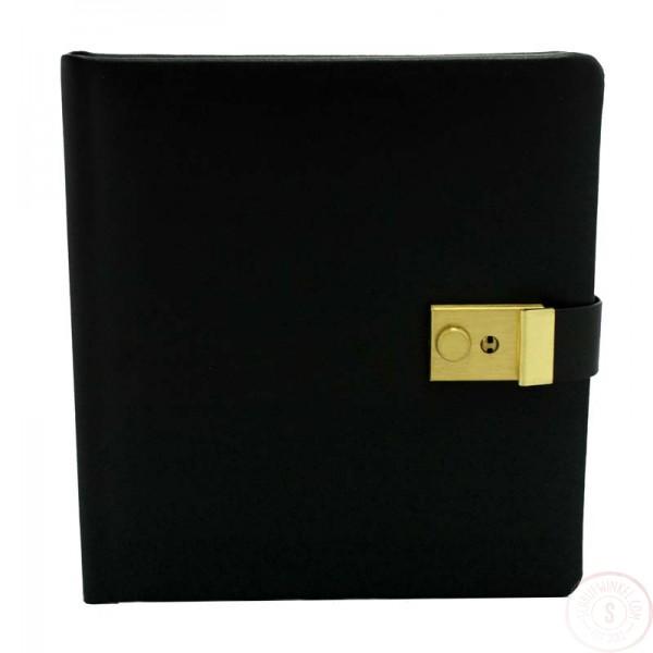 Zwartlederen Dagboek Met Slot Blanco