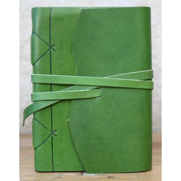 Modena Leren Notitieboek Grasgroen Met Handgeschept Papier