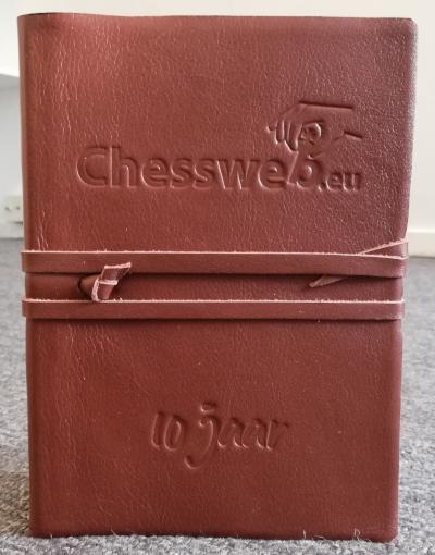 Gepersonaliseerd Notitieboek als Relatiegeschenk voor Chessweb